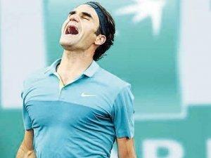 İstanbul kortların efsanesi Federer'i 2,4 milyon dolara izledi
