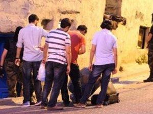 Okmeydanı'nda polis baskını: Çok sayıda kişi gözaltına alındı