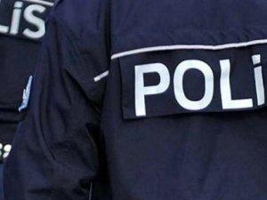 """İzmir'de polise """"etek altı"""" operasyonu: 7 polis gözaltında"""