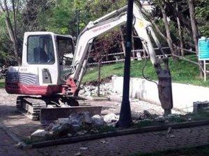 Abbasağa Parkı'ndaki kafe inşaatına vatandaştan tepki