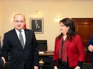 """Yalçın Akdoğan'dan """"çözüm süreci"""" açıklaması"""