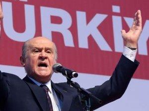 Bahçeli'den Erdoğan'a: Önde eline Kuran alıp arkada haç takan, kamerayla camiye giren günahkar!