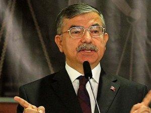 Milli Savunma Bakanı açıkladı: Profesyonel askerlik mi geliyor?