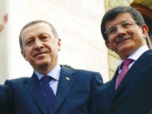 Davutoğlu ve Erdoğan seçim meydanlarında bulaşacak