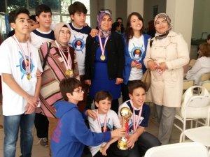 İÇDAŞ'ın genç Satranççılarından Anneler Günü hediyesi