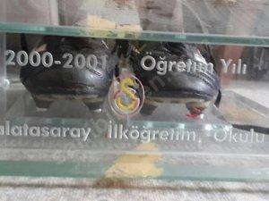 UEFA Kupası'nı getiren Hagi'nin kramponu satışta!