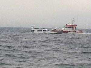 Bostancı açıklarında tekne battı: 1 kişi kayıp