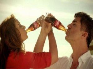Aç bir Coca-Cola diyen Sıla zehirlendi