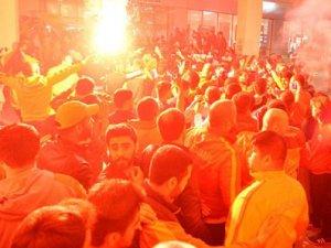 Galatasaray şampiyon gibi karşılandı!