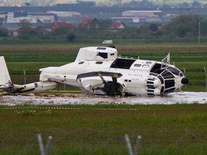 Priştine Havalimanı'na helikopter düştü