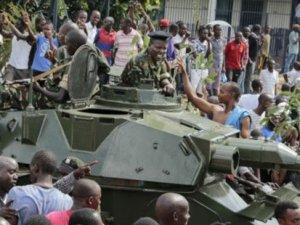 Burundi'de darbe: Devlet Başkanı ülkeye giremiyor