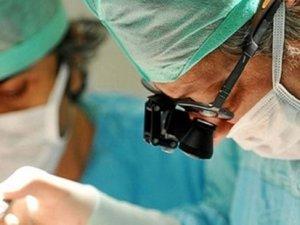 Doktordan skandal hata! Doğum yapan kadının karnında cep telefonu unuttu