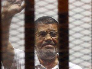 Devrik lider Mursi'ye idam cezası!