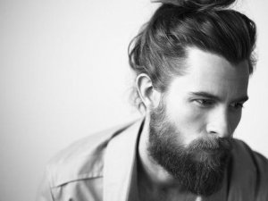 Kadınlar sakallı erkeklerden hoşlanıyor