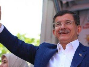Başbakan Davutoğlu, Hürriyet'i hedef aldı!