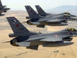Türk F-16'ları Suriye hava aracını düşürdü