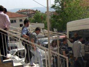 14 yaşındaki kıza tecavüz eden 18 kişi tutuklandı