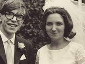 Stephen Hawking'in eşinden itiraf: İntiharı düşündüm