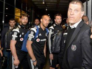 Beşiktaş'a olaylı karşılama!