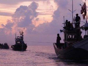 Yüzlerce göçmen daha kurtarıldı