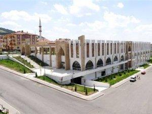 Necip Fazıl Kültür Merkezi açılış için gün sayıyor
