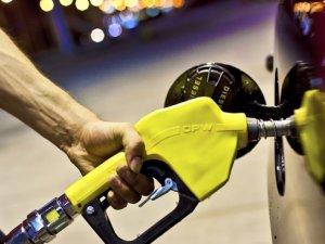 Benzine gece yarısı indirimi