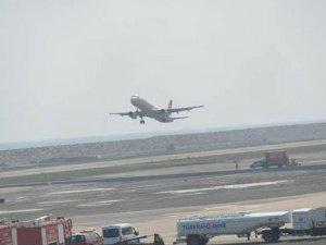 Ordu-Giresun Havalimanı'na ilk uçak indi.