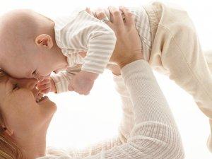 Bebeklerin en büyük koruyucusu anne sütü