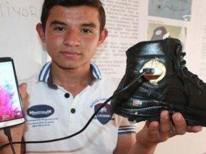 Mersinli mucid Faruk Aslan, telefon şarj edebileceğiniz ayakkabı icat etti