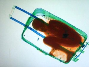 Bavulun içinde yakalanmıştı: İspanya'da kalıyor