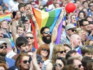 Eşcinsel evliliğe ilk onay veren ülke: İrlanda