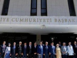 İzmir'de Başbakanlık Ofisi açıkladı