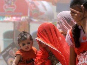 Hindistan'da sıcaklar can alıyor