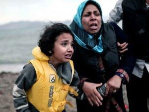 Türkiye göçmenlerin Avrupa'ya geçişine göz yumuyor