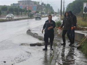 Zonguldak'taki sağanak yağış hayatı felç etti