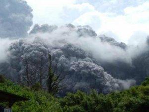 Bu sabah patladı! Yüzlerce kişi tahliye ediliyor...