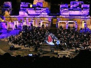 Şehir Tiyatroları 53 oyun sahneledi