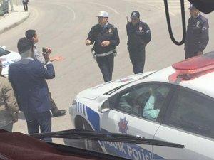CHP TIR'ı Erzurum'da durduruldu: İçinden Gürsel Tekin çıktı