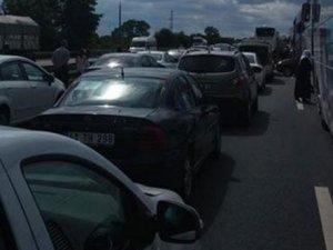 TEM'de kaza: Ulaşım durdu