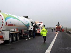 TEM'de iki LPG tankeri çarpıştı