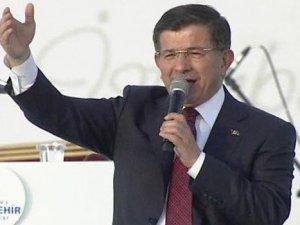 Davutoğlu İstanbul'un fethinin 562'nci yıl dönümü kutlamalarının düzenlendiği Yenikapı'da konuştu