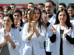 Sağlık çalışanları bugün eylemde