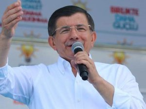 Başbakan Davutoğlu'ndan Cumhuriyet Gazetesi'ne eleştiri