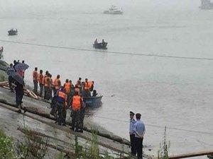 Çin'de gemi faciası: En az 400 yolcu kayıp