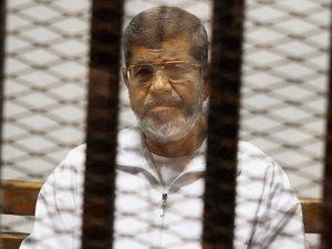 Mursi'nin idam cezasıyla ilgili nihai karar ertelendi