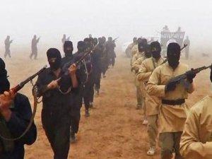 MİT, Suriye'de rejimle savaşan cihatçıları mı taşıdı?