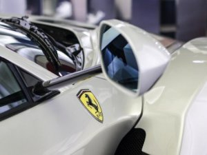 Ferrari'nin özel model arabası: Beyaz La Ferrari -Özel Haber-