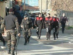 Fuat Avni bunu da bildi: İstanbul'da şafa operasyonu