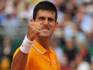 Djokovic finale yükseldi
