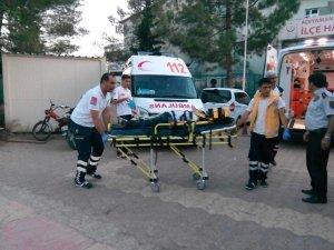 Otomobil Göksu Çayı'na devrildi: 5 yaralı